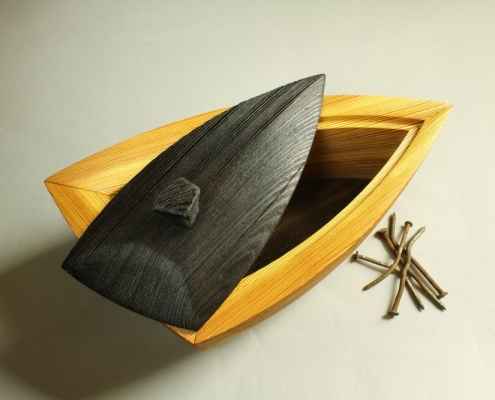 lid details, heirloom treasure box made of reclaimed southern yellow pine