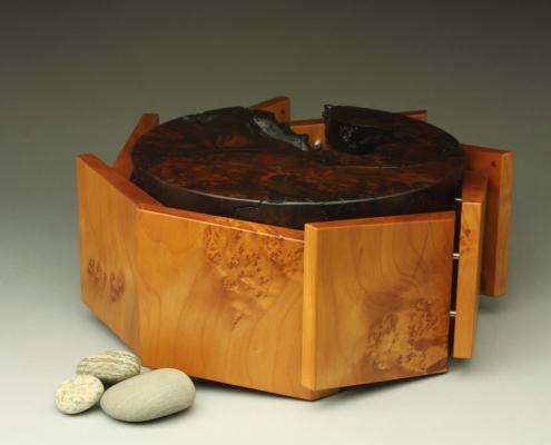 octogon box, 11″ x 11″ x 4.5″ materials: unknown burl, blistered big leaf maple